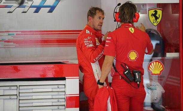 Italian GP:ssä neljänneksi sijoittunut Sebastian Vettel putosi MM-pisteissä jo 30 pisteen päähän Lewis Hamiltonista. Jos Vettel olisi onnistunut ajamaan paalupaikalle, hän olisi mahdollisesti pystynyt nipistämään piste-eron seitsemään.