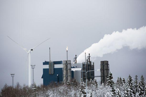 Outokumpu vähentää Suomessa yli 200 työntekijää. Kuvassa Tornion terästehdas.