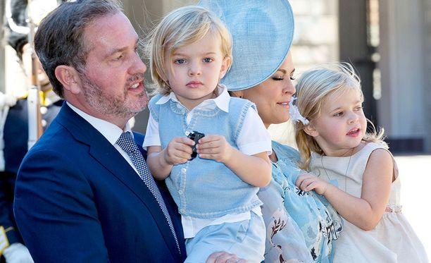 35-vuotias prinsessa Madeleine odottaa kolmatta lastaan. Lapsi syntyy keväällä 2018.
