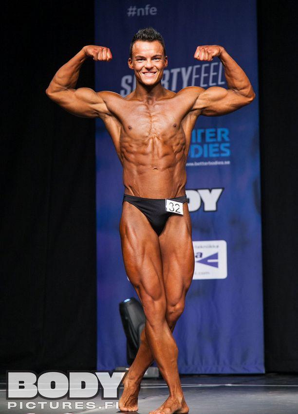 John Lausvuo kertoo, että hän on aina nähnyt miehisen vartalon isona, lihaksikkaana ja symmetrisenä.