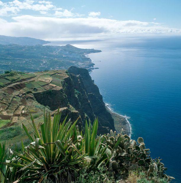 Näkymä Madeiran Gabo Girãolta Funchalin suuntaan.