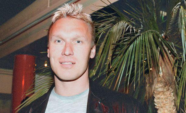 Mika Lartama ajautui vaikeuksiin vuonna 1994 päättyneen peliuransa jälkeen. Kuva on vuodelta 2000.