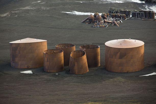 Deception Islandin hylätty valaanpyyntiasema.
