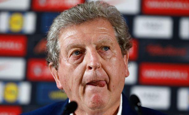 Roy Hodgson erosi Englannin puikoista heti Islanti-tappion jälkeen.