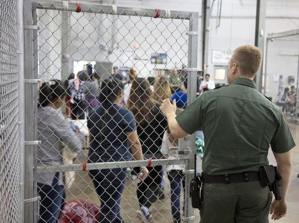 Rajan yli laittomasti tulleet joutuvat vangituiksi.