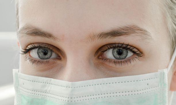 Maskin käyttö voi altistaa erilaisille iho-ongelmille.