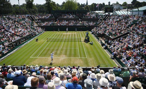 Wimbledonin tennisturnaus sallii jatkossa katsojien avoimen puhelimen käytön katsomossa pelien aikana.