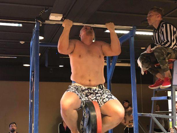 Jesse Pynnönen rikkoi ensimmäisenä suomalaisena 200 kilon rajan.