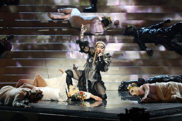 Sosiaalinen media ei innostunut Madonnan euroviisuesiintymisestä.