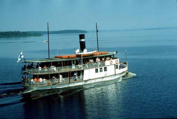 Tampereella kotisatamaansa pitävä Tarjanne on Suomen vanhin säännöllisessä reittiliikenteessä oleva matkustaja-alus. Alus valmistui vuonna 1908.