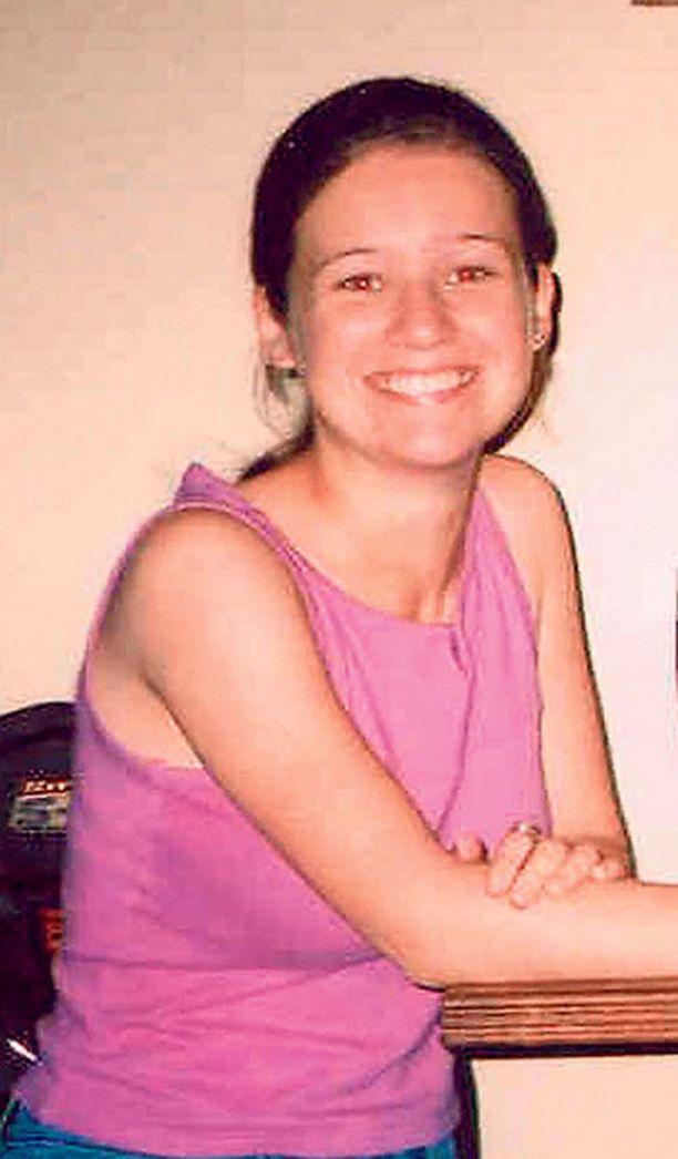 Tobin hautasi puolalaisopiskelija Angelika Klukin ruumiin kirkon rippituolin alle.
