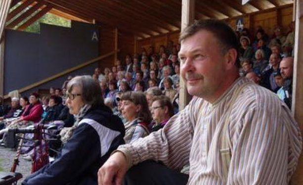 Jari Lasonen (kuvassa) pelasti miehen hengen sydäniskurilla.