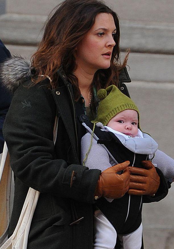 Drew Barrymore ja Olive-tytär.