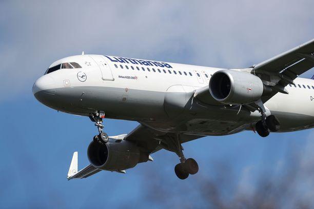 Lufthansa haluaa päästä takaisin siivilleen.