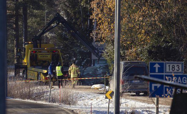 Raju ulosajo tapahtui lauantain vastaisena yönä Kemiönsaaressa.