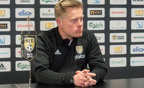 Tommi Kautonen sai pikapotkut SJK:sta.