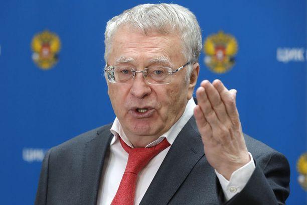 Venäjän liberaalidemokraattisen puolueen johtaja Vladimir Žirinovski on rekisteröi presidenttiehdokkaaksi juuri ennen joulua.