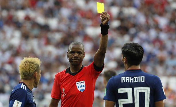 Japani selvisi jatkoon, koska se otti alkulohkossa vähemmän keltaisia kortteja kuin Senegal.