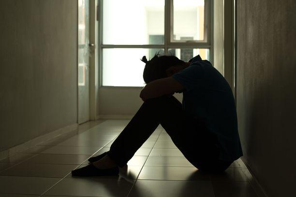 Nuorilla aikuisilla voi olla paljon paineita sekä työelämässä että yksityiselämässä.