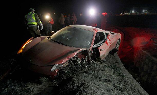 Arturo Vidal ajoi autonsa ryttyyn.