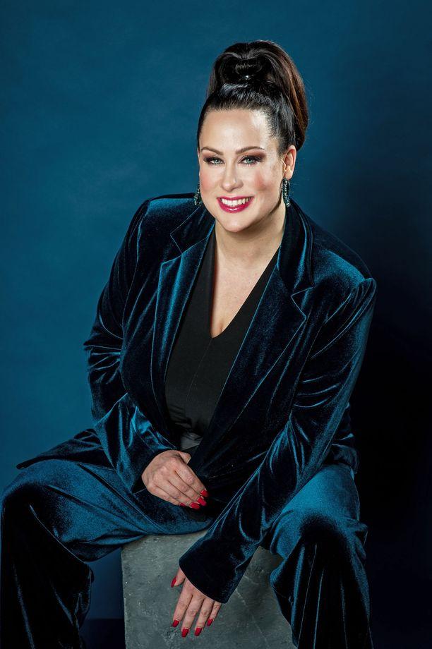 Niina Kuhta aloitti tällä viikolla uudessa työssään koronajäljittäjänä.