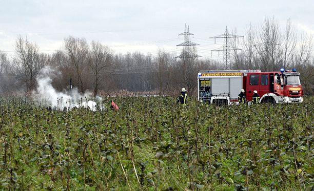 Pelastusvoimat raivasivat turmapaikkaa Philippsburgissa, Baden-Württembergin osavaltiossa.