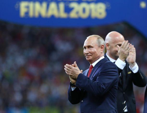 Presidentti Vladimir Putin saa neljä EM-kisaottelua Pietariin, vaikka Venäjälle langetettaisiin pitkä kilpailukielto.