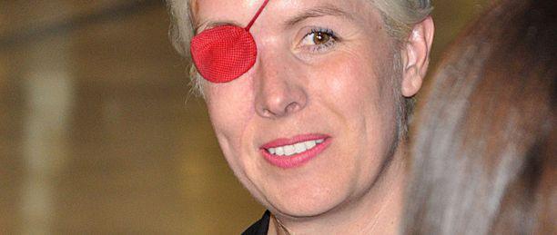 Maria de Villota menetti oikean silmänsä F1-onnettomuudessa.