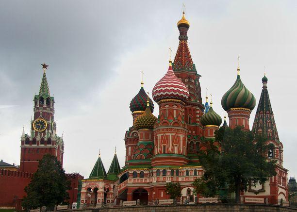 Kreml ei ole ilahtunut Ukrainan ortodoksisen kirkon pyrkimyksistä kohti kirkollista itsenäisyyttä. Kuvituskuva Moskovassa sijaitsevasta Pyhän Vasilin katedraalista.