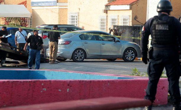 Ruumiit löydettiin autosta aivan syyttäjän toimiston tuntumassa.