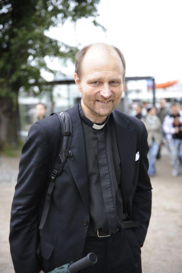 Pastori Heikki Leppä harrasti sukeltamisen lisäksi moottoripyöräilyä ja melontaa. Arkistokuva vuodelta 2008.