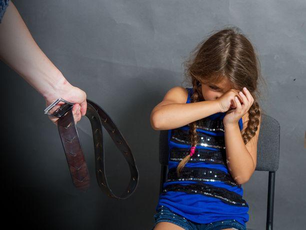 Ranskassa tuore lakialoite kieltäisi lasten ruumiillisen rankaisemisen. Kuvituskuva.