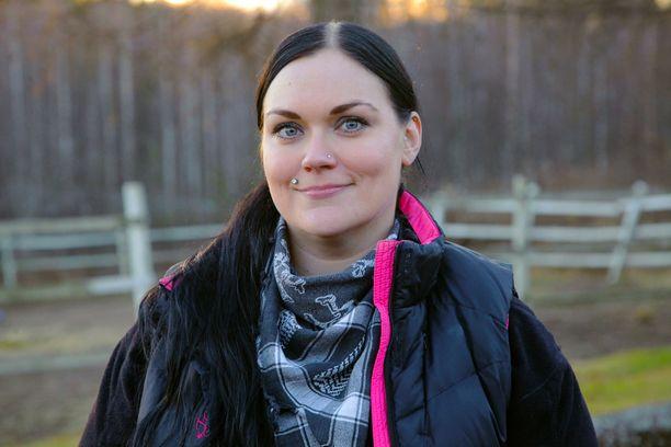 Laura on Jyväskylän lähellä asuva eläinlääkäri.
