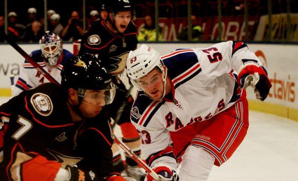 New York Rangers pelasi myös Anaheim Ducksia vastaan Tukholmassa 2011.