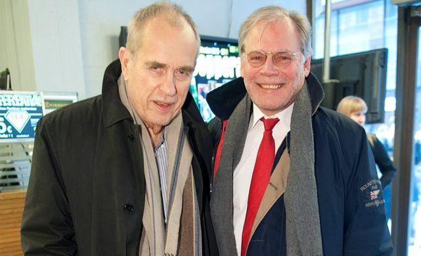 Jörn Donner ja Lauri Törhönen Vares-elokuvan kutsuvierasnäytöksessä vuonna 2011.