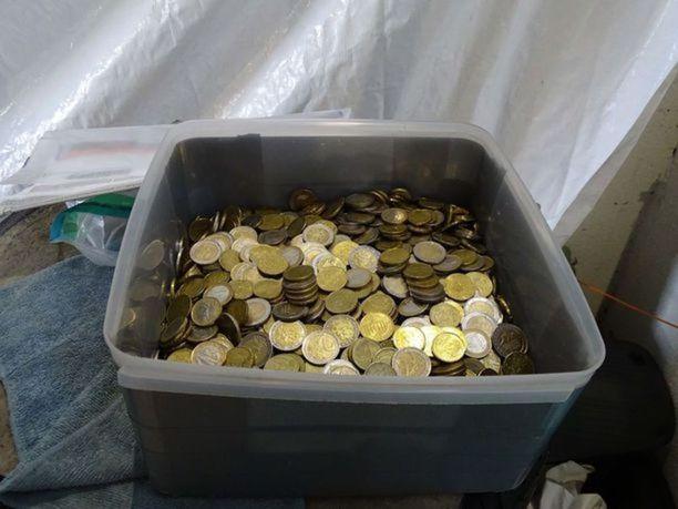 Suurimmat kolikkokätköt olivat kooltaan joitain tuhansia euroja.