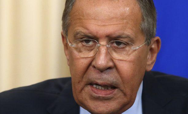 Sergei Lavrov hermostui Montenegron Nato-jäsenyydestä.