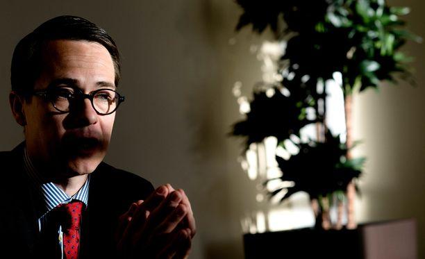 Carl Haglund ei pidä mahdottomana ajatusta siitä, että Suomi harjoittaisi ulkomaantiedustelua.