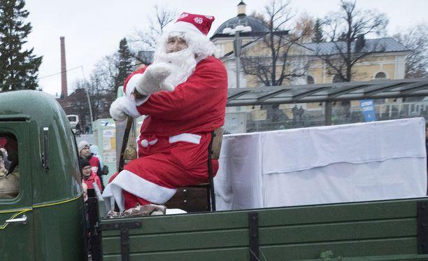 Tuleeko joulupukki autolla?