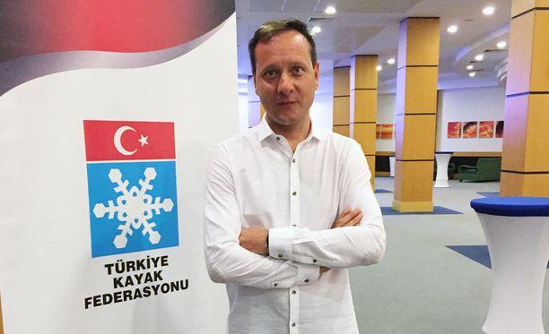 Kimmo Savolainen siirtyy Turkin mäkimaajoukkueen valmentajaksi.