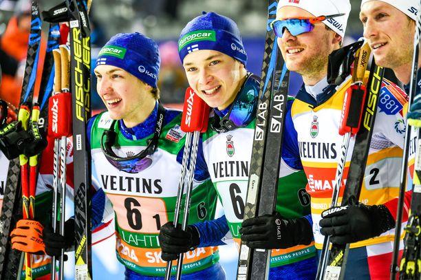 Ilkka Herola ja Eero Hirvonen voittivat maailmancupin pariviestin ensimmäisinä suomalaisina.