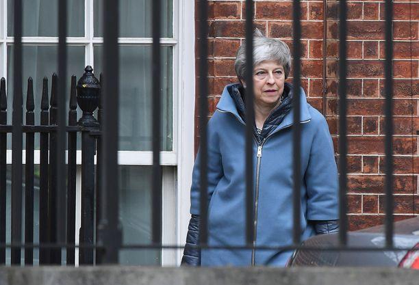 Theresa May ei ole luovuttanut sopimuksensa kanssa. Mayn hallinnon ja EU:n välistä sopimusta hierottiin kaksi vuotta, mutta se ei ole parlamentille kelvannut.