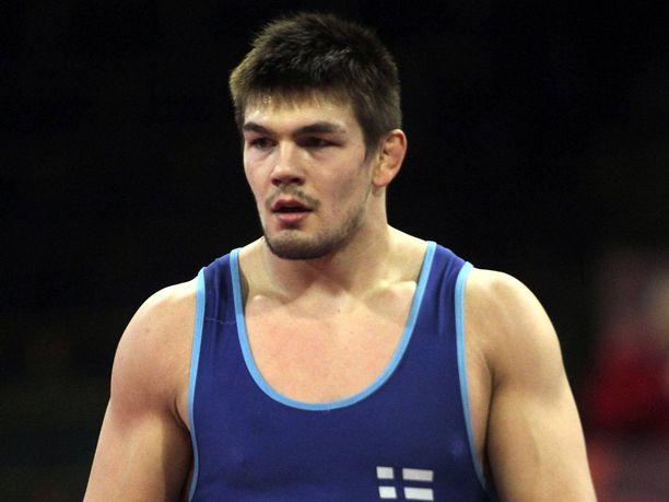 Arvi Savolainen hankki Budapestissa Suomelle ensimmäisen painin maapaikan Tokion olympialaisiin.