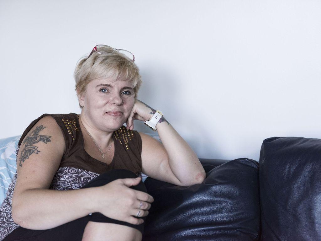 Päivisin Annu, 13, leikki barbeilla, mutta iltaisin hän myi itseään ja käytti huumeita - näin fiksu ja vilkas tyttö päätyi aikuisten seksileluksi