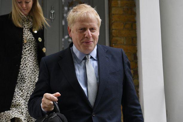 Boris Johnson kuvattiin poistumassa kotoaan 13. kesäkuuta.