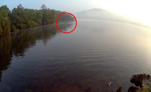 """Loch Nessillä on """"nähty"""" hirviö jo vuosisatojen ajan. Kuvamanipulaatio vuodelta 2014."""