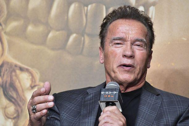 Kehonrakennuksen ikoni Arnold Schwarzenegger hämmästelee, miltä jopa amatöörit nykyään näyttävät.