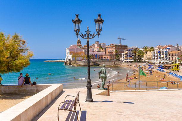 Barcelonan-matkaan voi yhdistää myös piipahduksen viehättävässä Sitgesissä.
