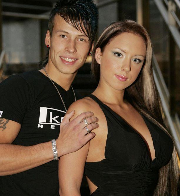 Antti muistetaan muun muassa visiitistään BB-talossa sekä lyhyeksi jääneestä liitostaan Henna Kalinaisen kanssa.