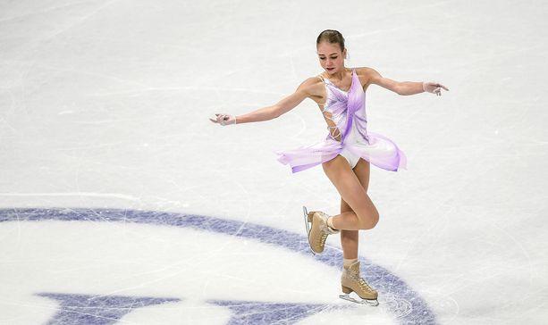 Aleksandra Trusova luisteli kolmanneksi Tukholman MM-kisoissa maaliskuussa.